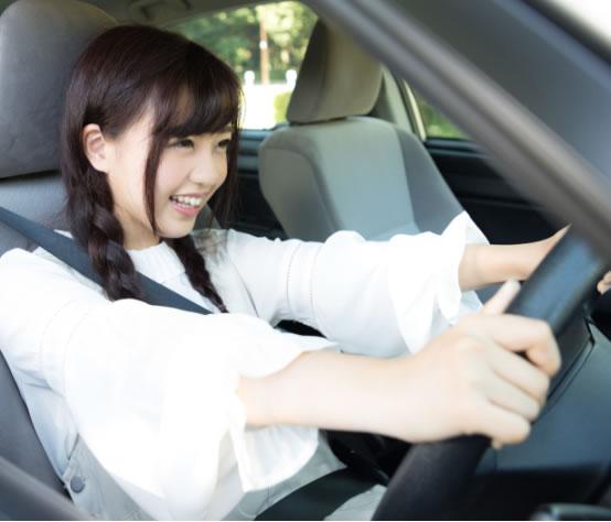 プレミアプラン―AT車なら最短15日、MT車なら最短17日で免許取得!